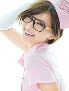 小护士mm粉嫩装扮唯美写真