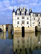 雪侬堡 卢瓦尔河畔的女人城堡
