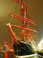 漫步香港 偶遇世界最大古帆船