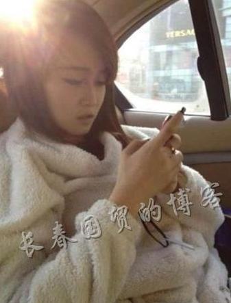 图为赵本山女儿妞妞生活照
