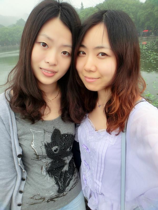 【呆璐】烟雨西湖,朦胧紫花