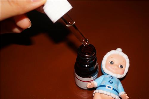 【乐小雁】来自台湾的达尔肤杏仁酸温和焕肤精华液