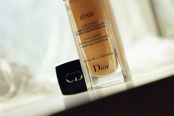 相遇在Dior迪奥凝脂星光亮妍的光灿世界