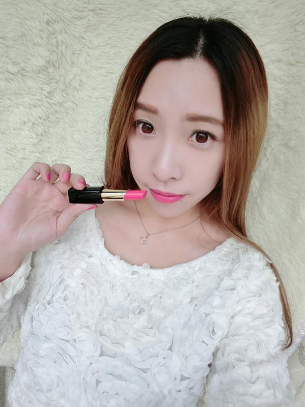 【赵秋晨】费欧蜜娜流光莹采丝滑唇膏:唇色点缀、素颜也美!