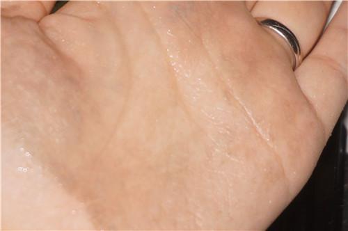神奇的死海小黑皂--奥伦纳素海泥唤肤洁面皂