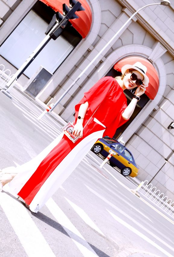 【刘玳彤】她,是最hot的时尚博主,也是喜欢分享积极生活态度的时髦自由人