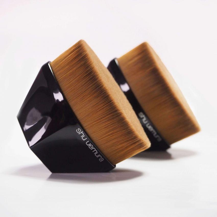 除了iPhone X,真正的刷脸时代还歹靠这把刷子!回帖赢植村秀花瓣雾光粉底液!
