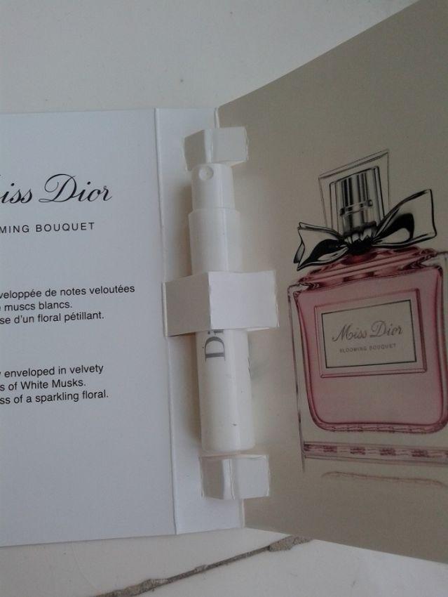Dior小姐花漾淡香水+花卉少女香,柔情优雅扬