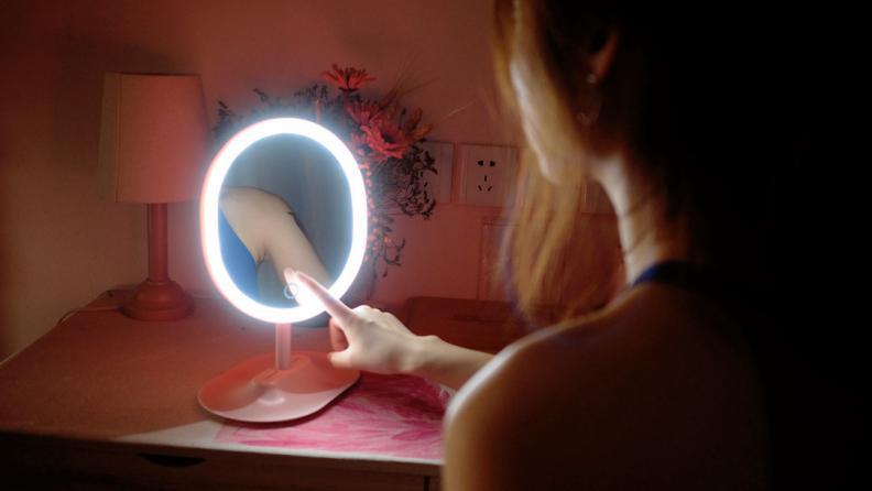 网易严选指触LED子母化妆镜晒单:每个少女都该有一个漂亮化妆镜