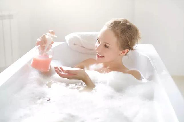用香水洗澡?年终就要好好犒赏自己!